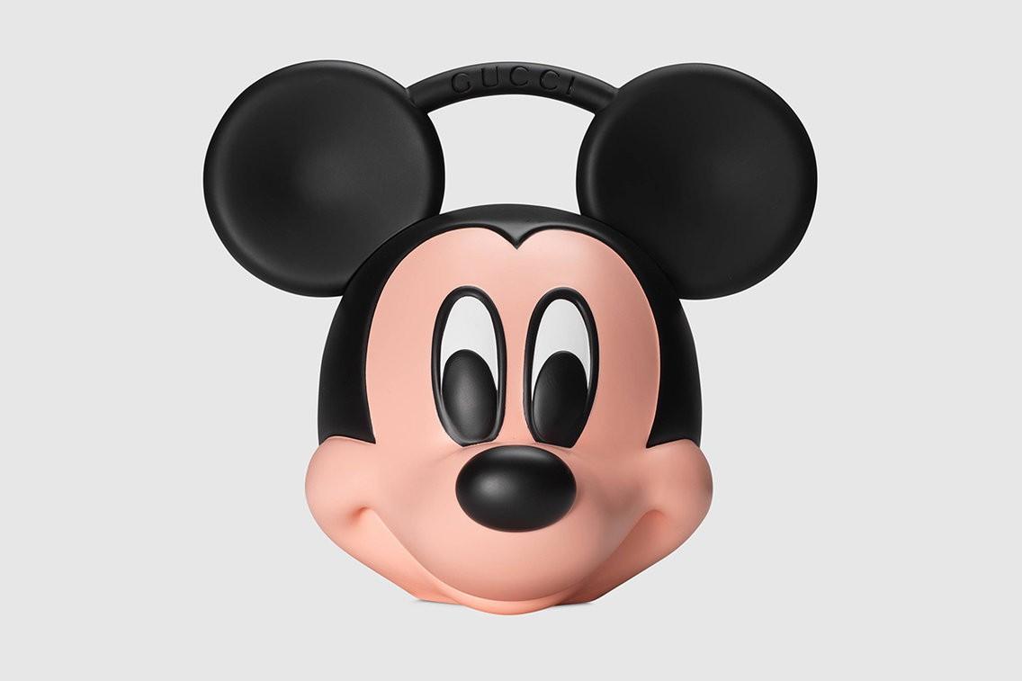 Chiếc túi hình đầu chuột Mickey