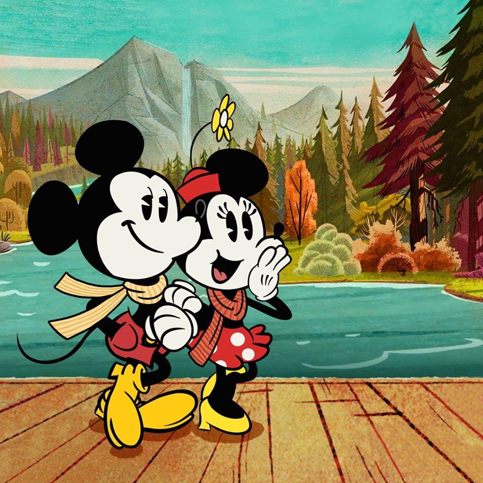 Chuột Mickey và bạn gái đi du lịch sông hồ