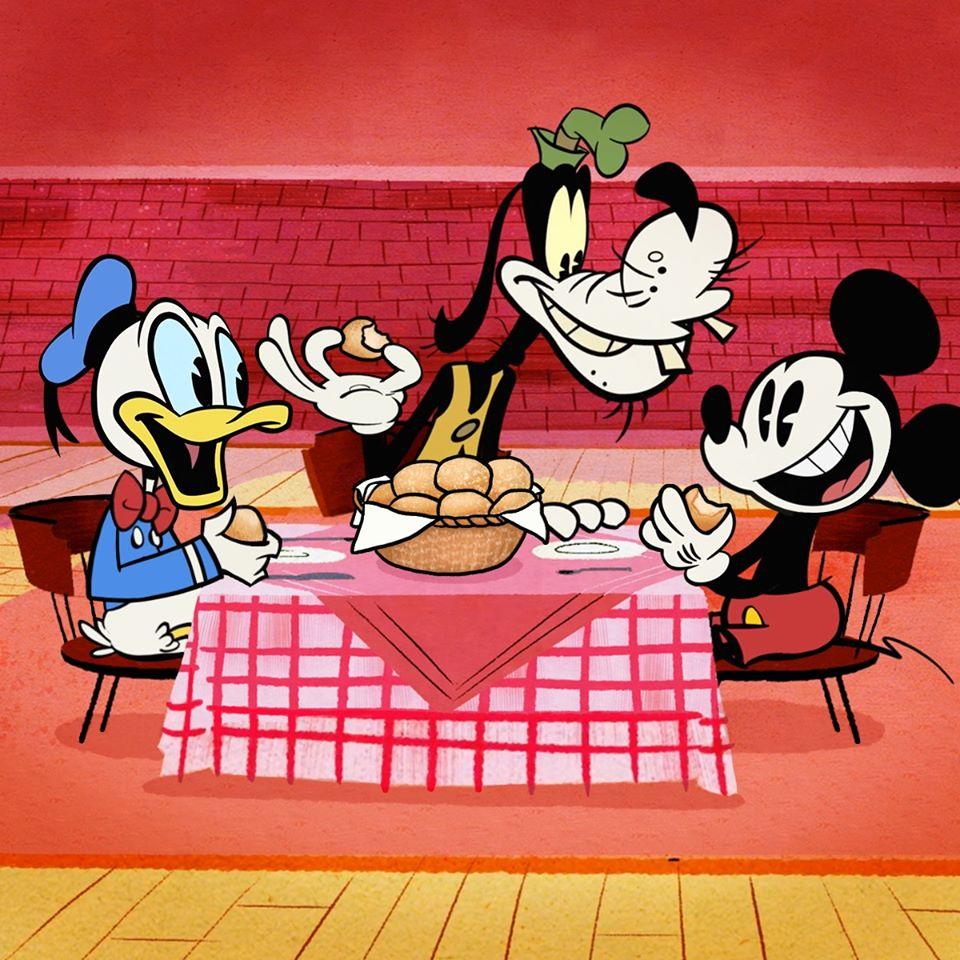 Chuột Mickey và hai người bạn thân cùng ăn tiệc picnic