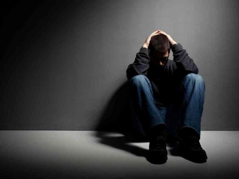 Hình ảnh chàng trai buồn tuyệt vọng đẹp