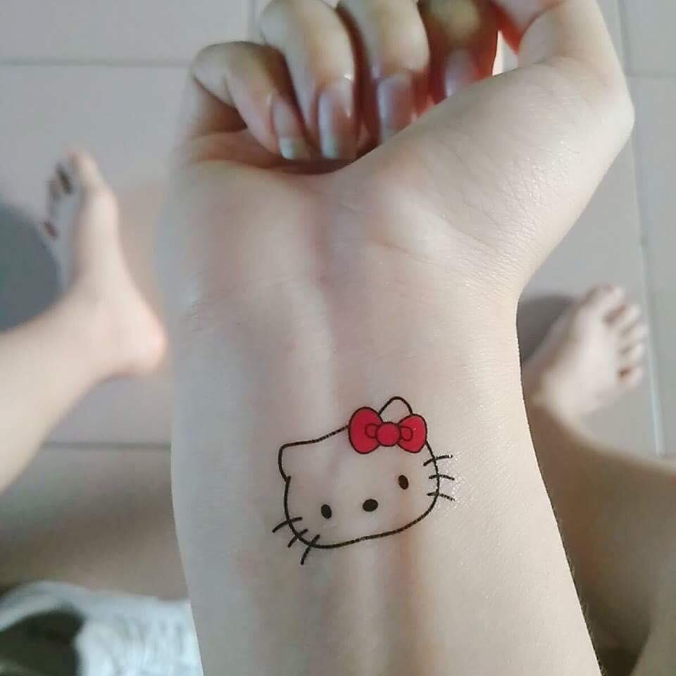 Hình xăm Hello Kitty ở cổ tay đẹp nhất