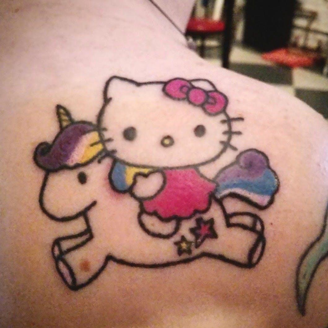 Hình xăm Hello Kitty