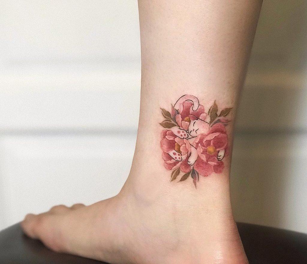Hình xăm hoa hồng đẹp nhất ở mắt cá chân