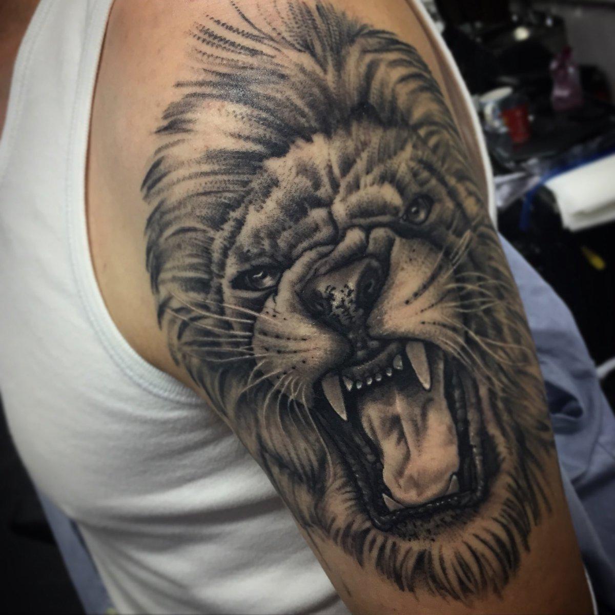 Hình xăm sư tử đẹp và ấn tượng nhất