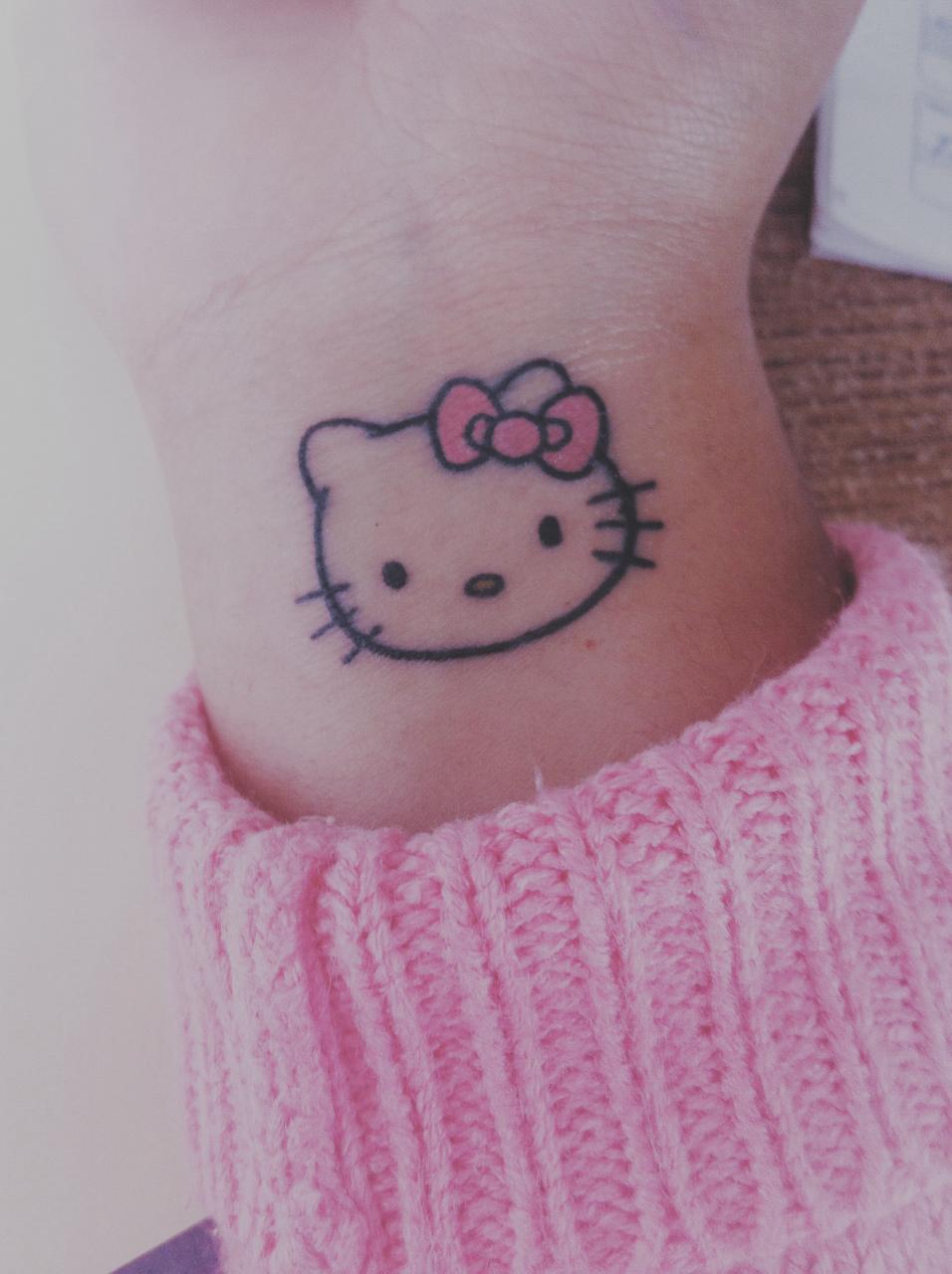 Xăm hình Hello Kitty mini