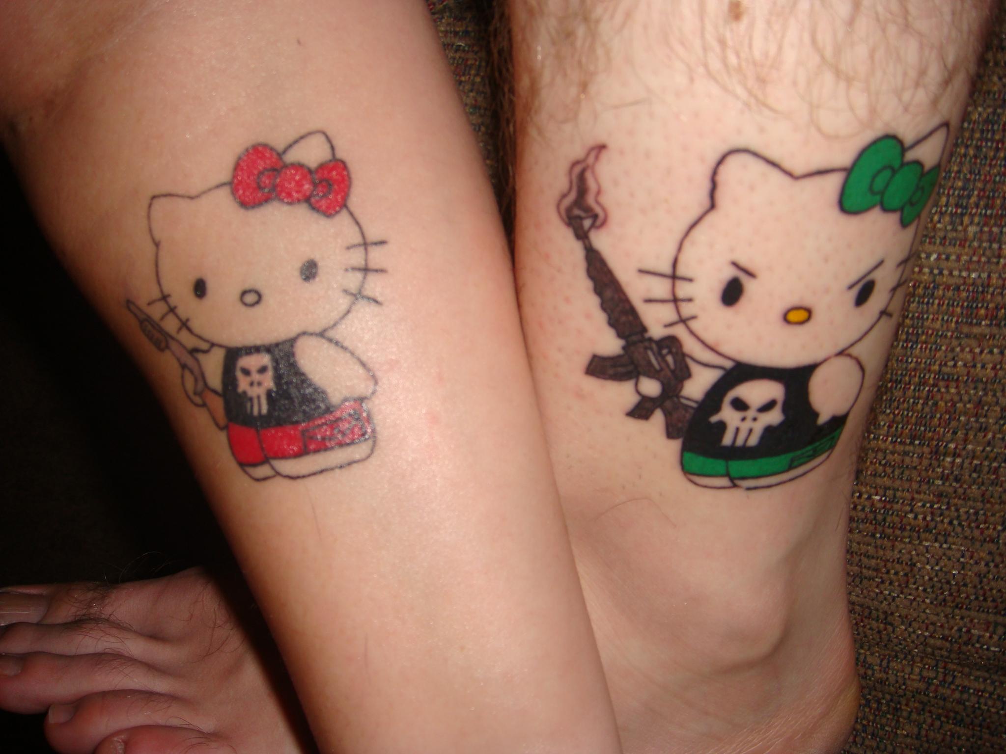 Xăm hình hello kitty ở bắp chân đẹp nhất