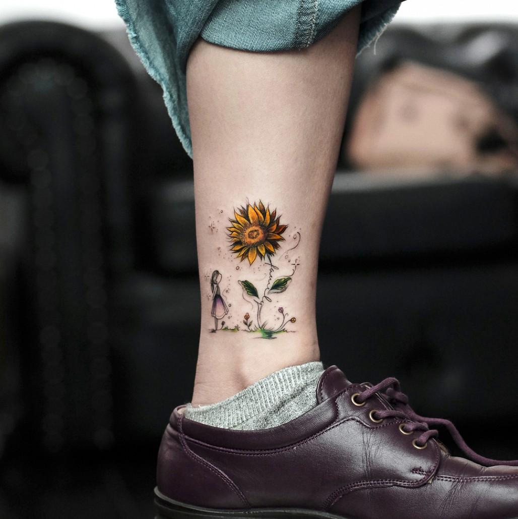 Xăm hình hoa hướng dương đẹp nhất và tinh tế nhất ở mắt cá chân