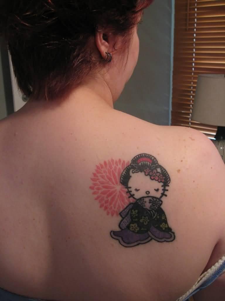 Xăm hình mèo hello kitty geisha ở vai đẹp nhất