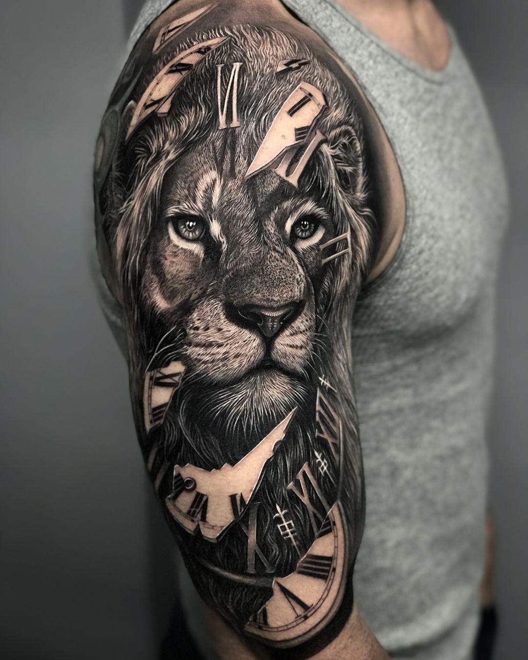 Xăm hình sư tử cho nữ