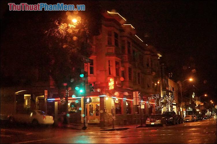Đêm xứ lạ - Hồng Giang