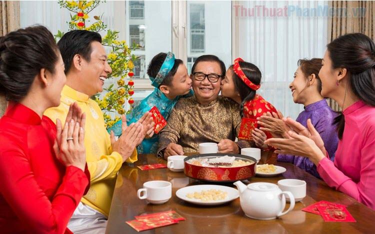 Những món quà Tết cho bố mẹ nội ngoại ý nghĩa nhất