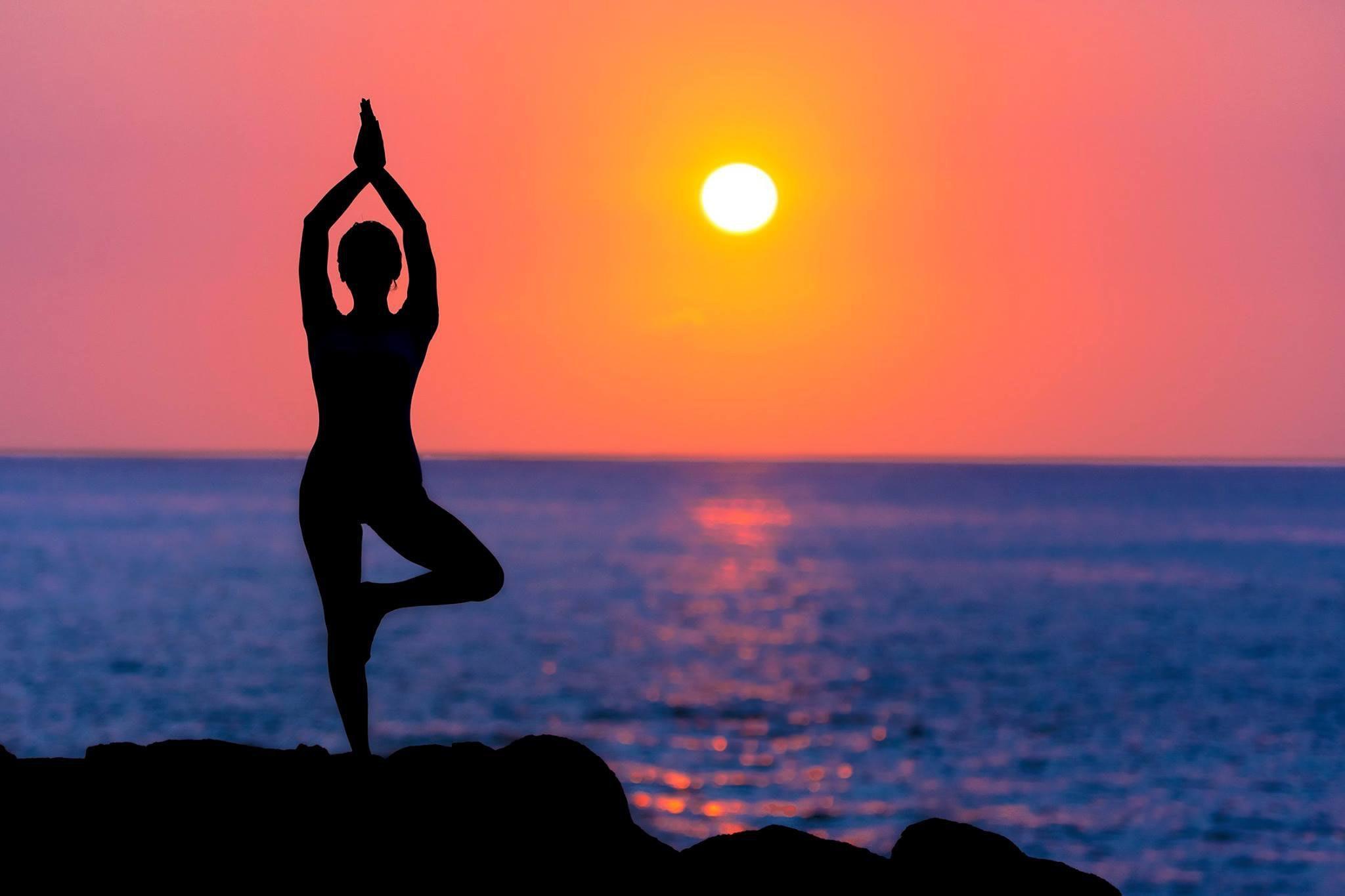 Tập thể dục đón bình minh