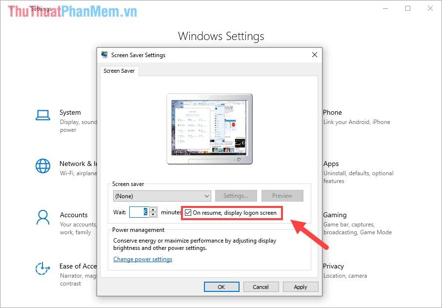 Đánh dấu vào mục On resume, display logon screen để bật chế độ khóa màn hình