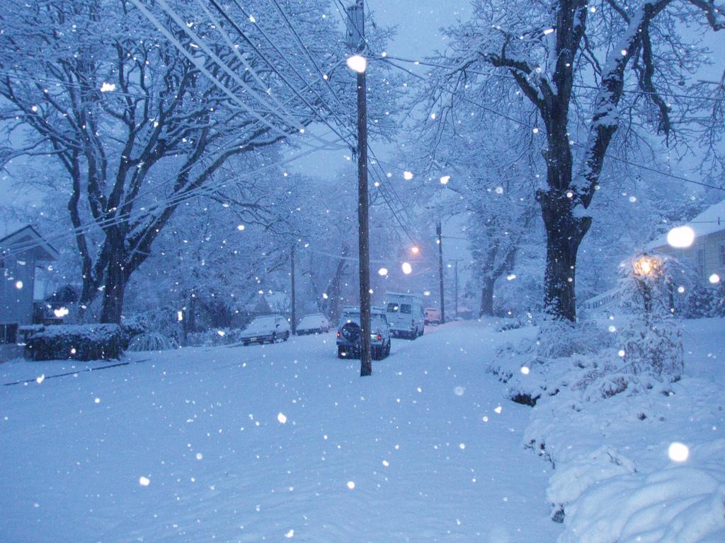 Hình ảnh đêm tuyết rơi