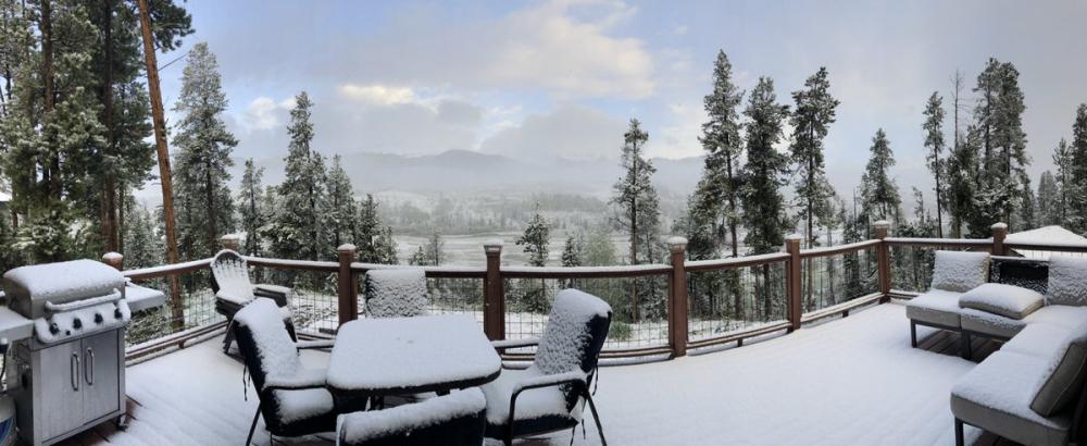 Hình ảnh khung cảnh tuyết rơi