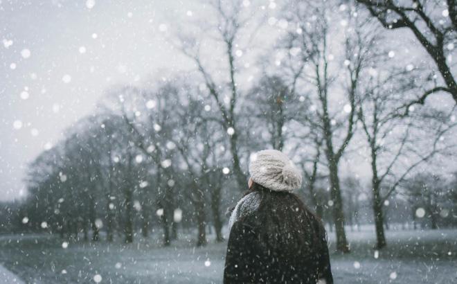 Hình ảnh tuyết rơi lãng mạn