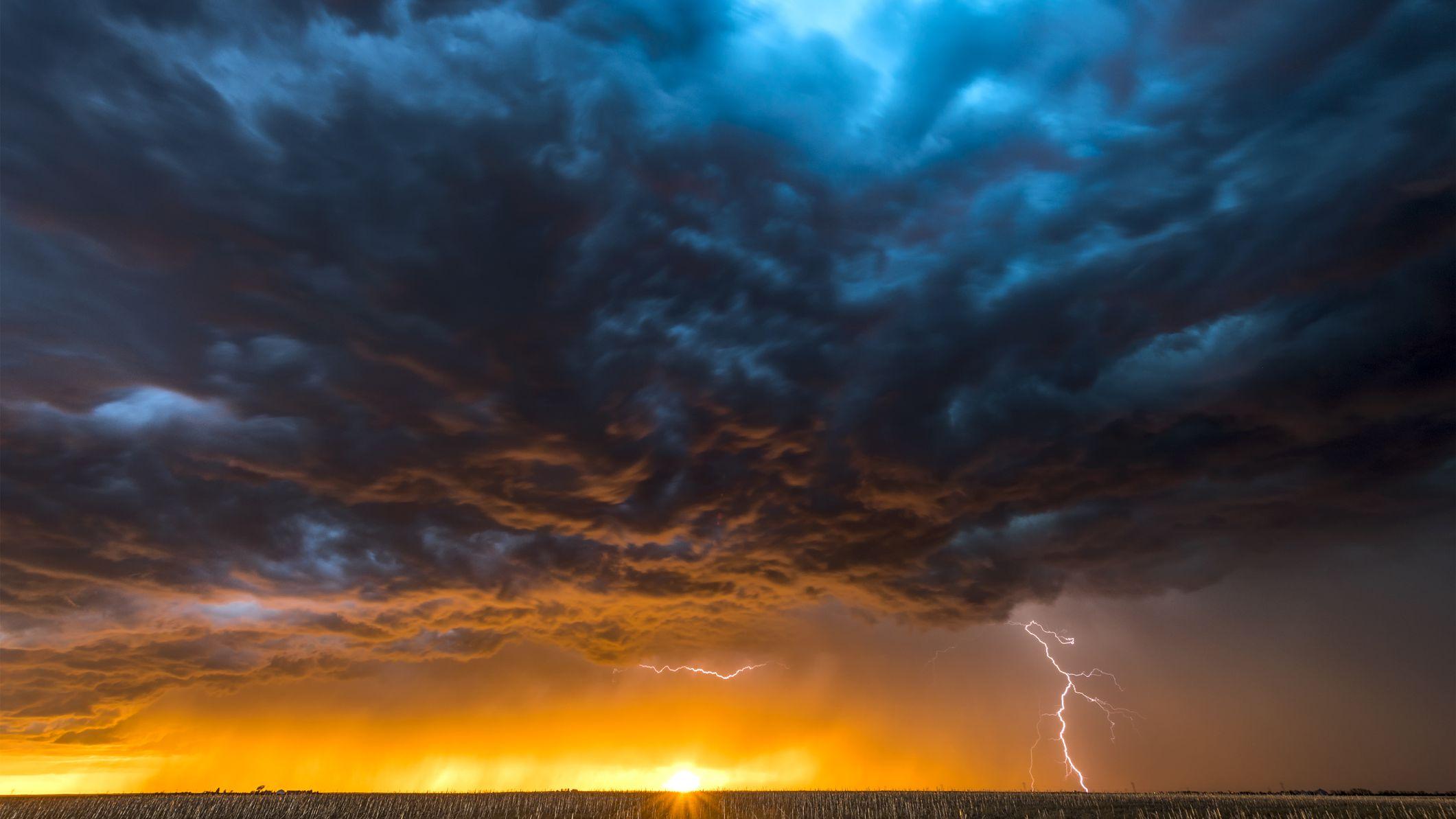Hình ảnh đám mây khi trời bão