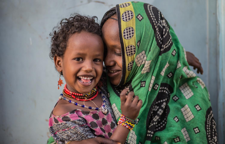 Hình ảnh đứa bé và mẹ