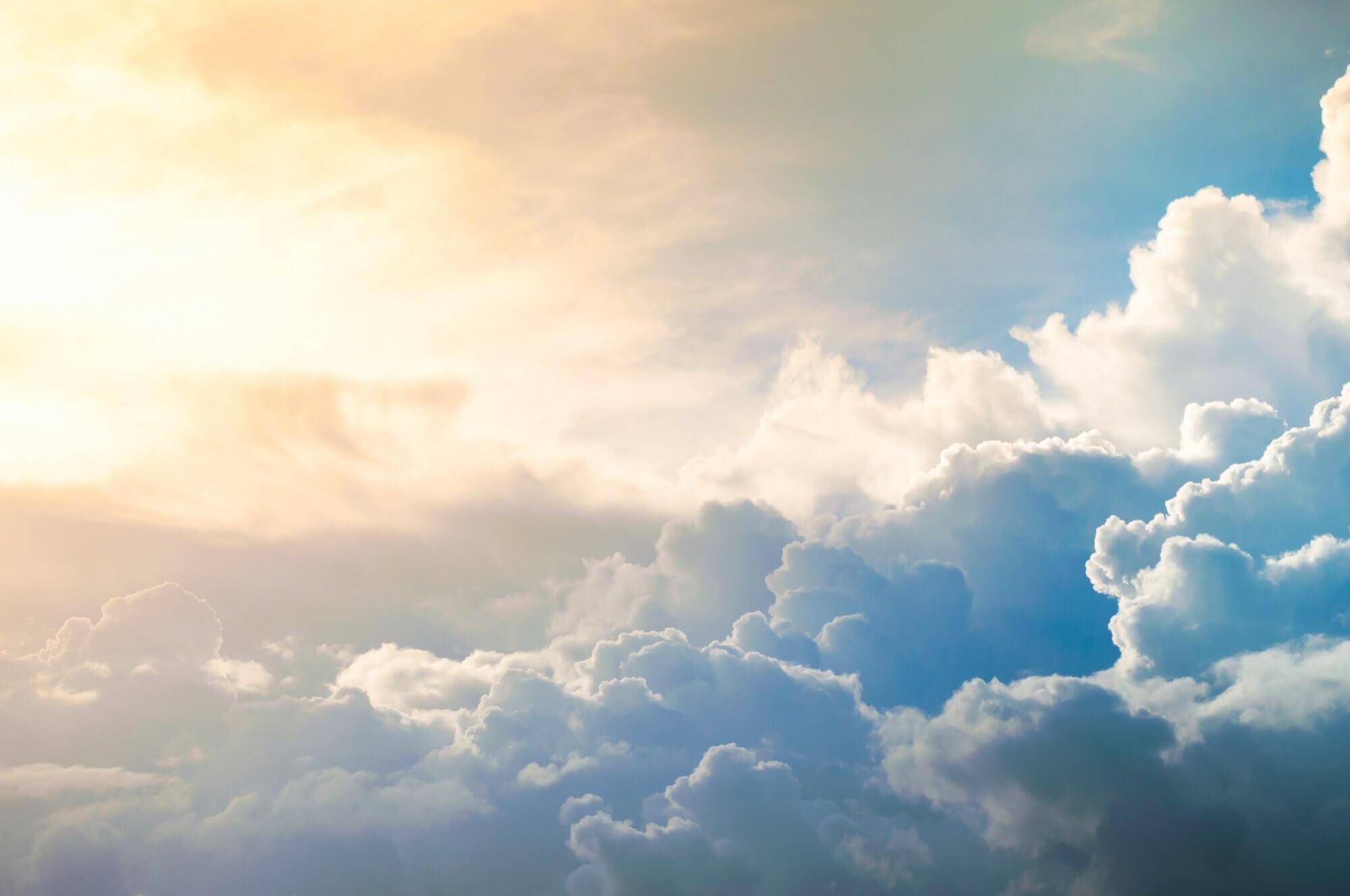 Hình ảnh mây rực rỡ mặt trời