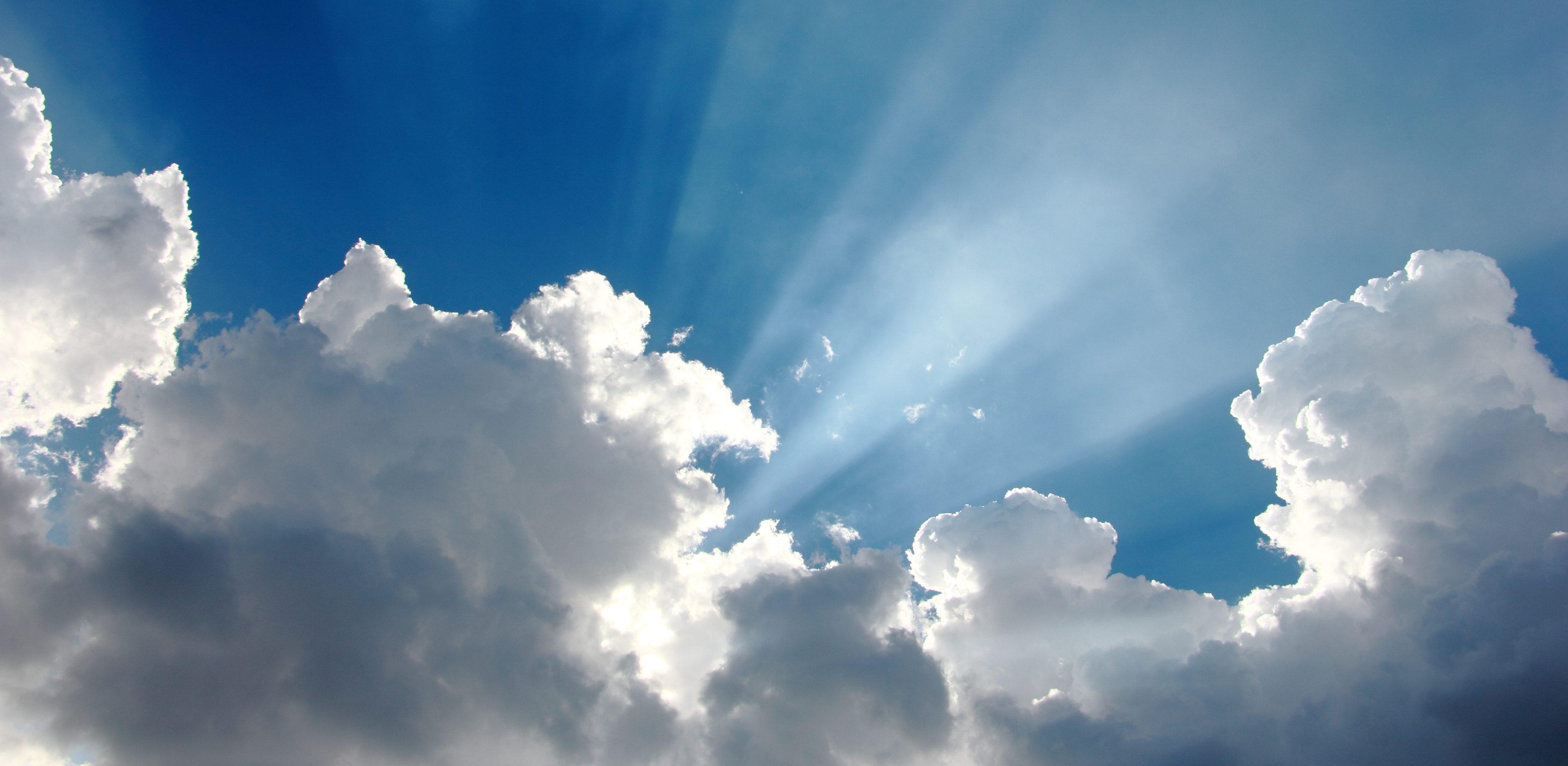 Hình ảnh mây trời che ánh nắng
