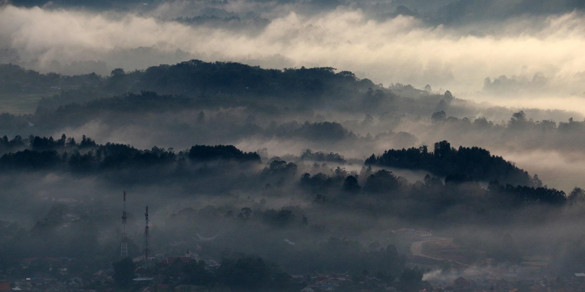Hình ảnh mây và sương mù u tối