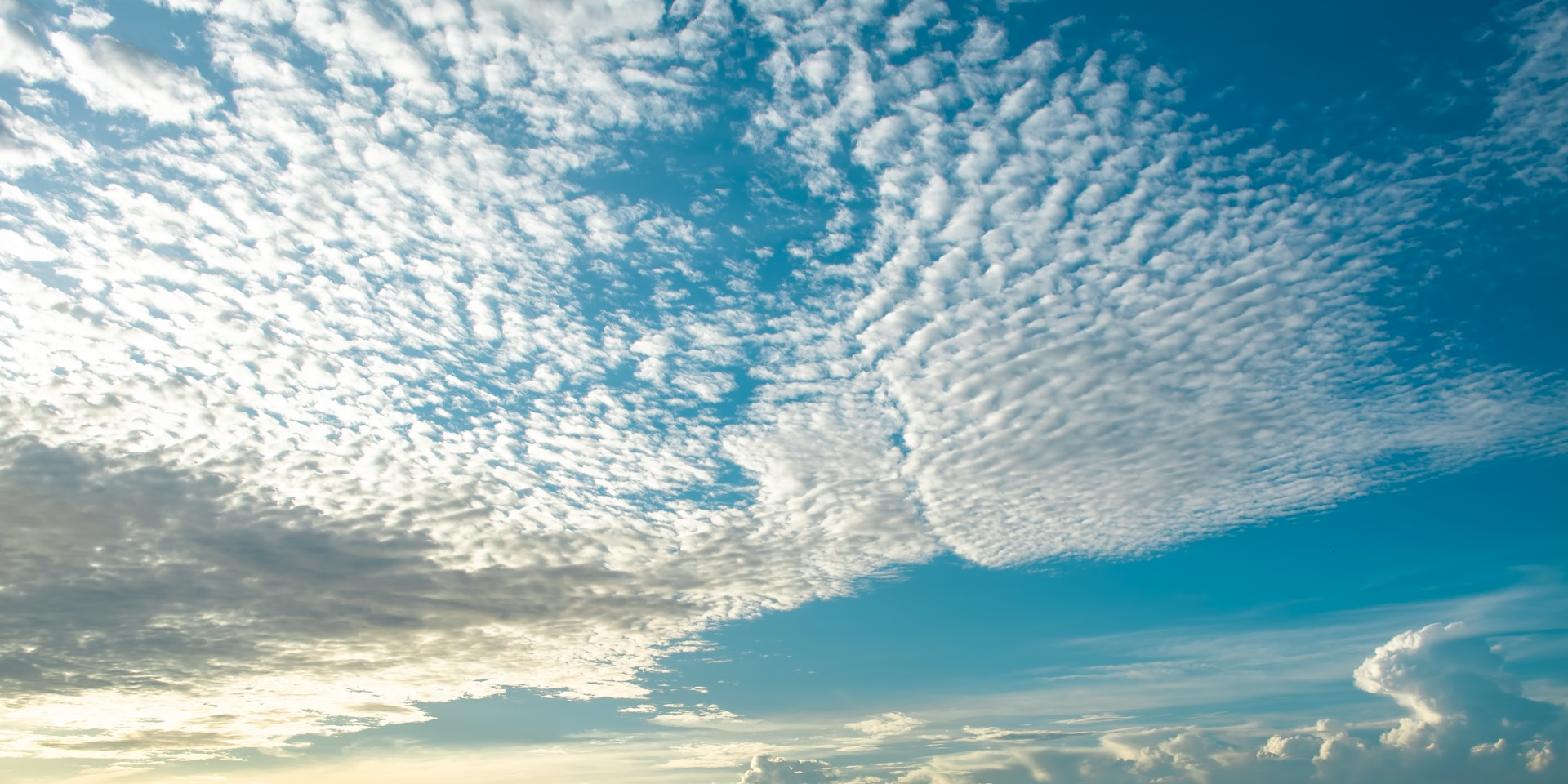 Hình ảnh tản mây gợn sóng