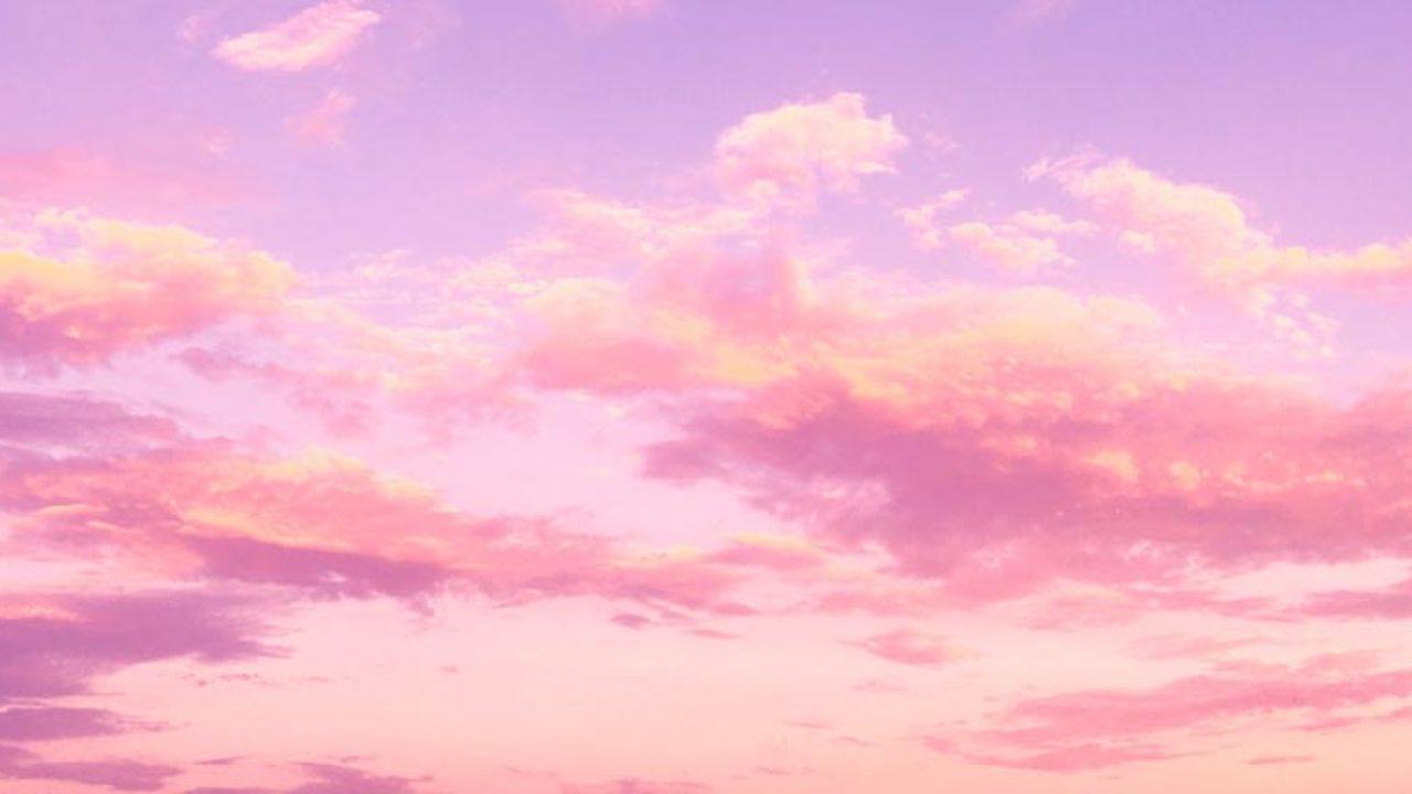 Hình ảnh trời mây hồng rực