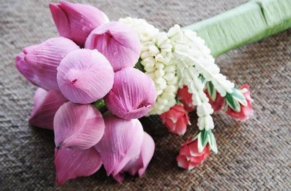 Bó hoa sen bó nụ cực đẹp