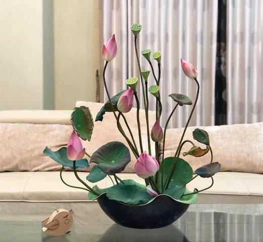 Cách cắm hoa sen đẹp dành cho người yêu hoa sen