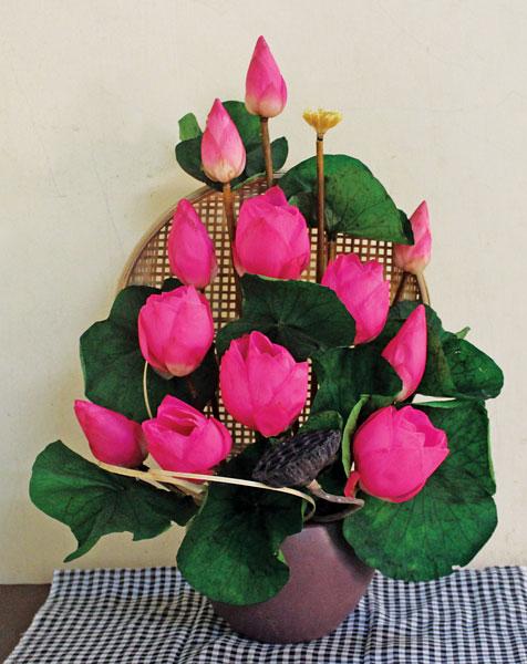 Cách cắm hoa sen hồng thắm cực đẹp