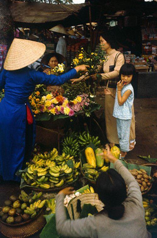 Hình ảnh chợ hoa quả tết xưa