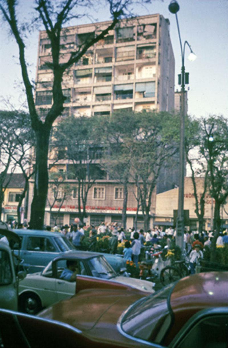 Hình ảnh Sài Gòn tết xưa nhộn nhịp