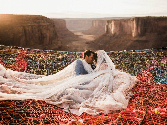 Ảnh couple hôn nhau giữa trời lãng mạn nhất