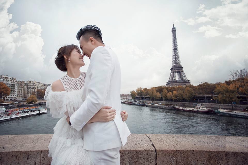 Ảnh cưới hôn nhau của cặp đôi Trấn Thành Hari Won