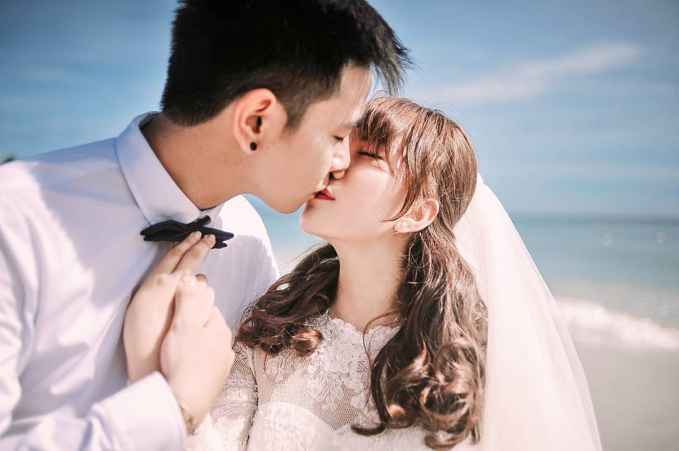 Ảnh cưới hôn nhau đẹp nhất