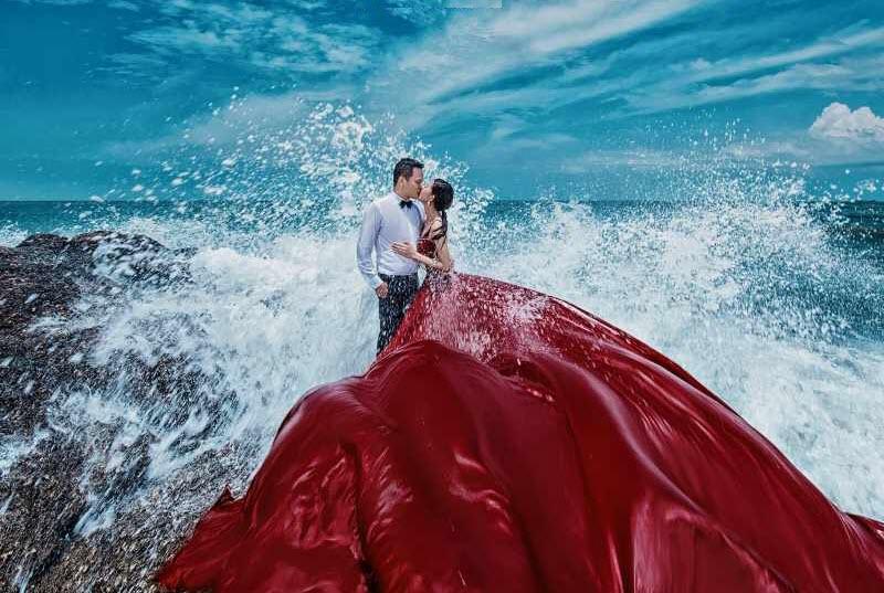 Ảnh hôn nhau bên bờ biển