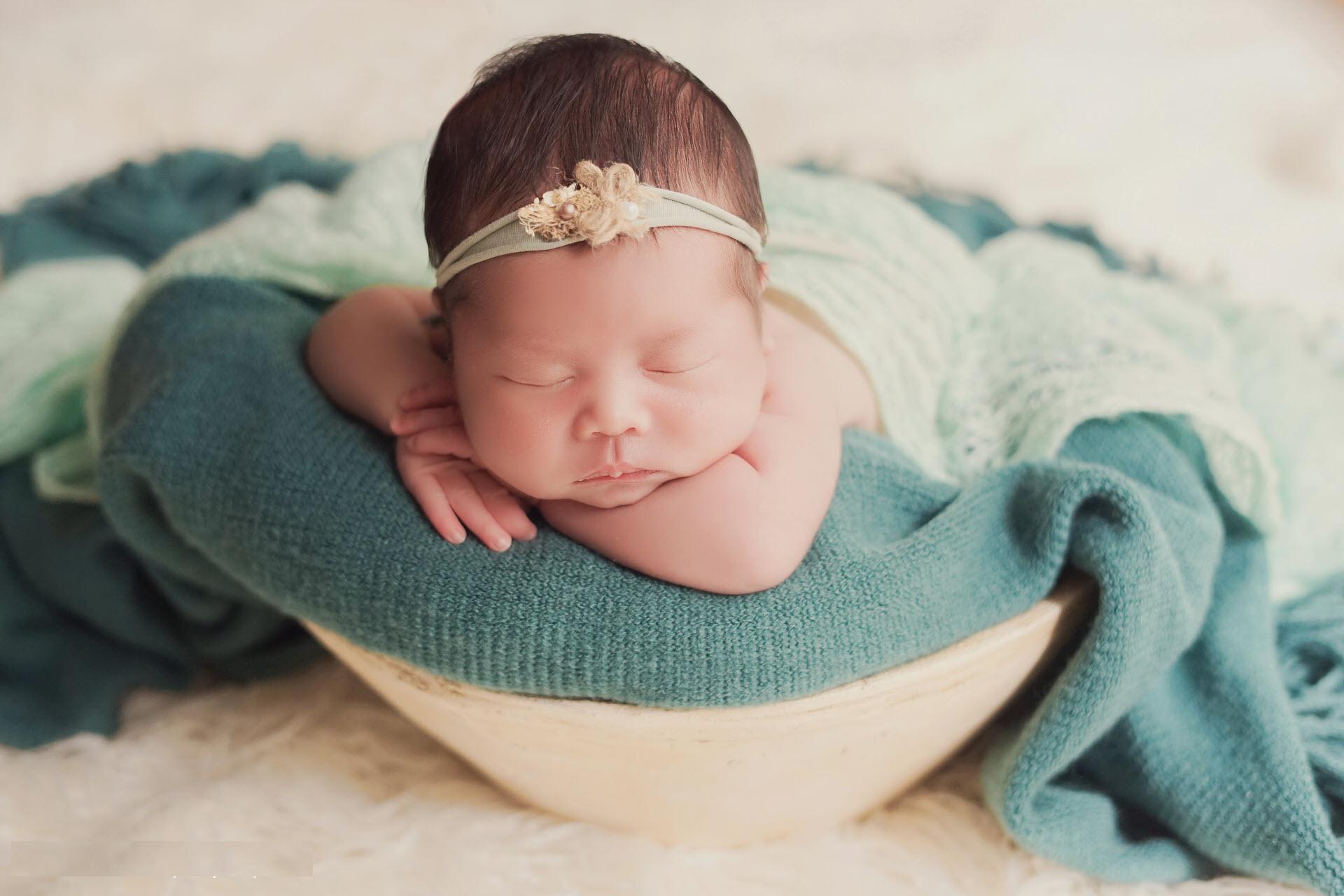 Hình ảnh em bé sơ sinh đẹp