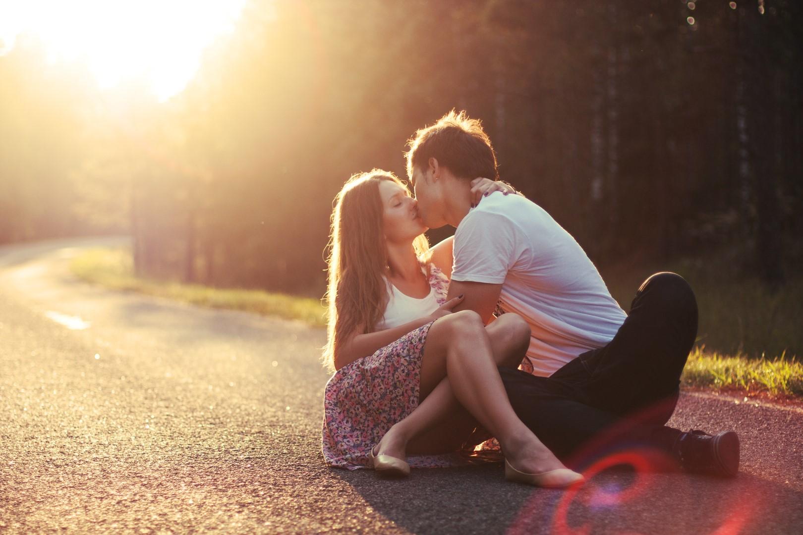Hình ảnh hôn nhau đẹp, lãng mạn nhất