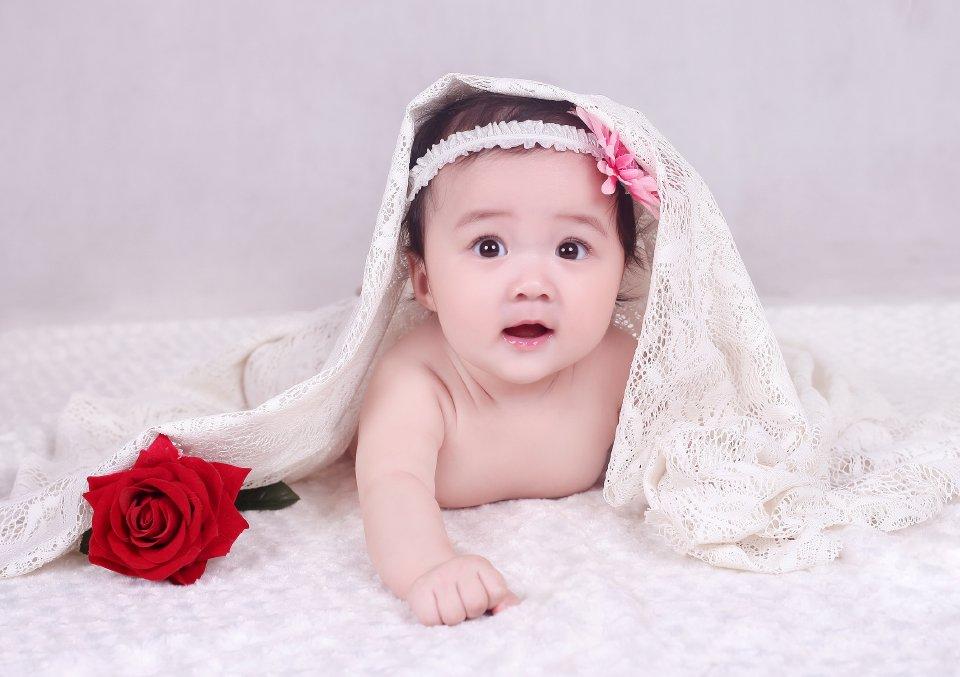 Hình ảnh những em bé sơ sinh đáng yêu