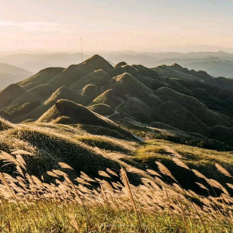 Hình ảnh ngày nắng trên vùng núi cực đẹp