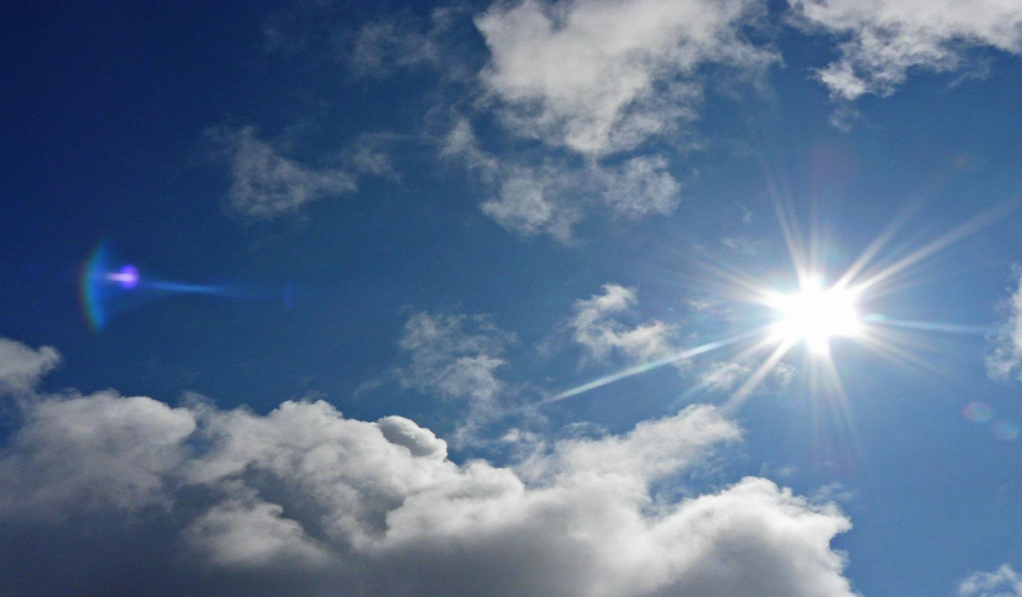 Hình ảnh trời nắng, trời xanh mây trắng
