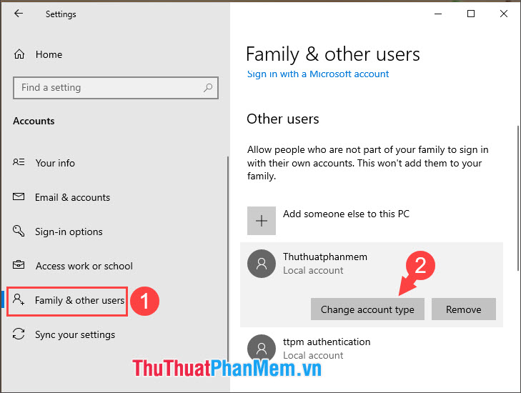 Click vào tài khoản cần phân quyền và chọn Change account type