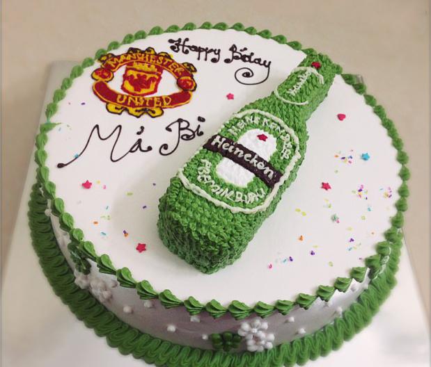 Bánh sinh nhật hình chai bia ngộ nghĩnh