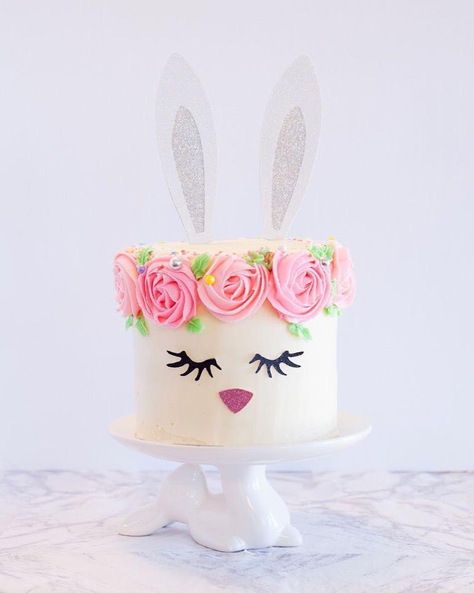 Bánh sinh nhật tai thỏ ngộ nghĩnh