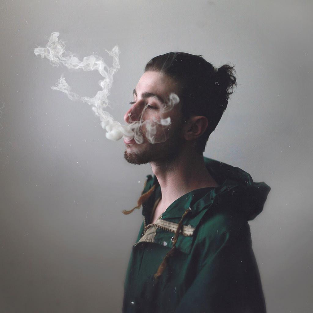 Hình ảnh khói thuốc cực chất