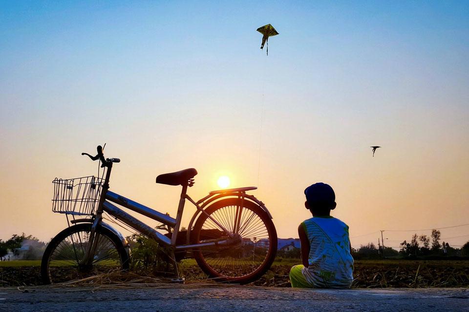 Hình ảnh tuổi thơ yên bình