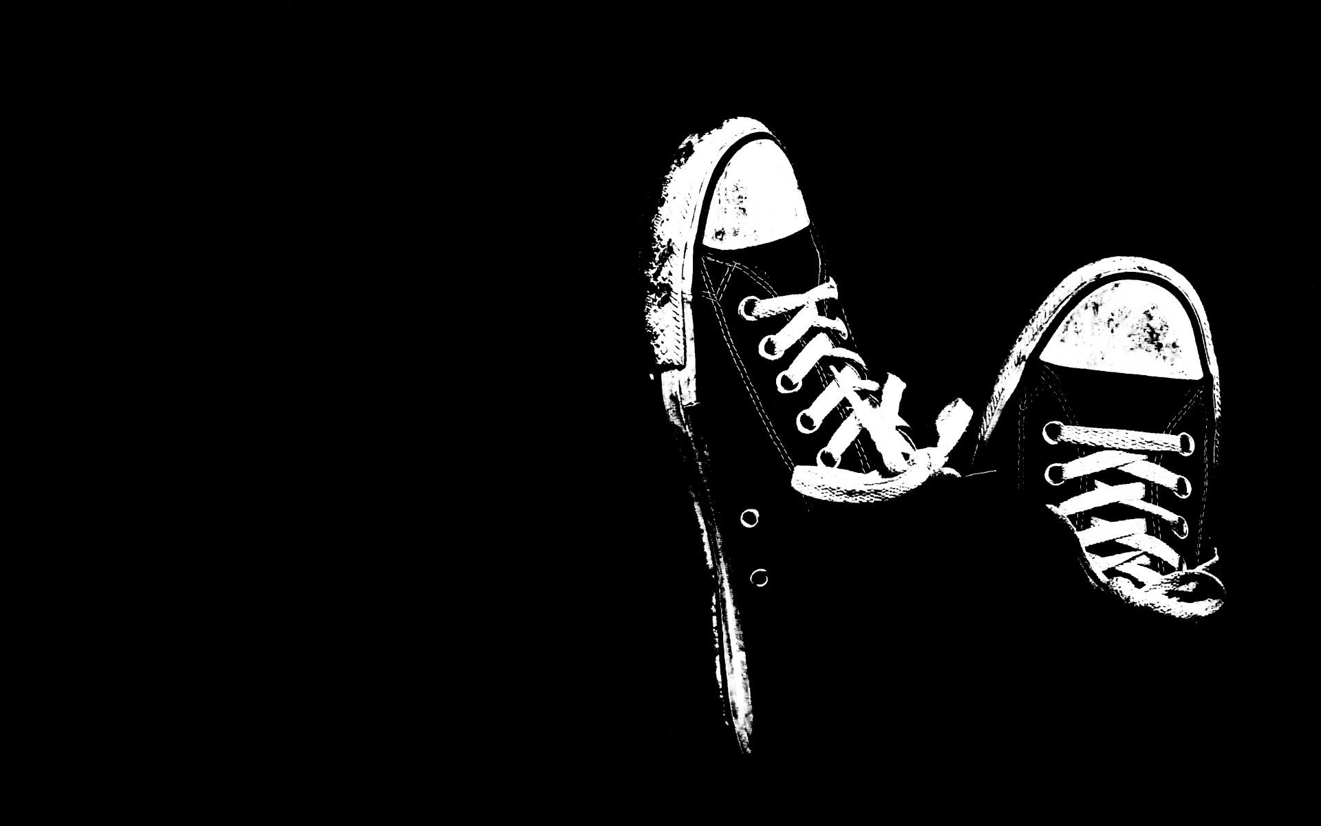 Hình nền đen giày Convert