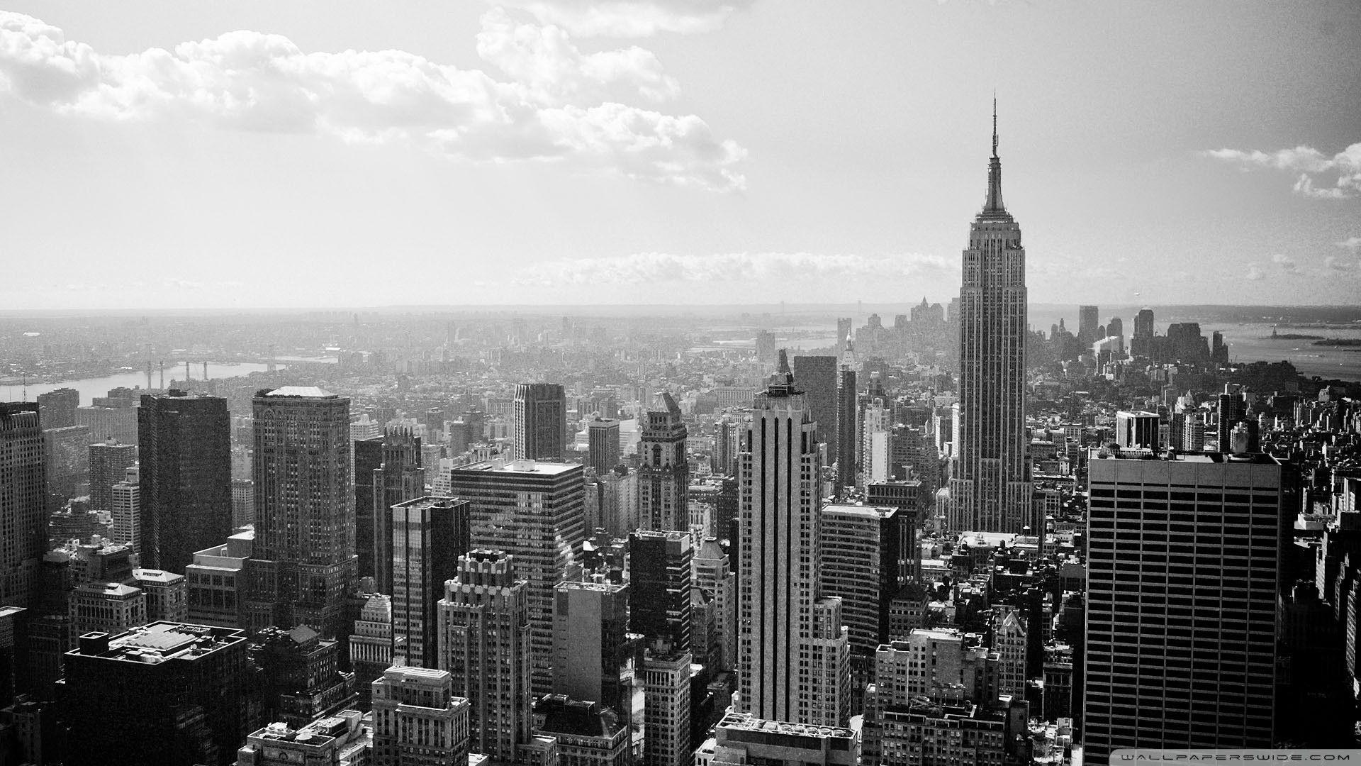 Hình nền đen trắng cho màn hình máy tính thành phố sầm uất