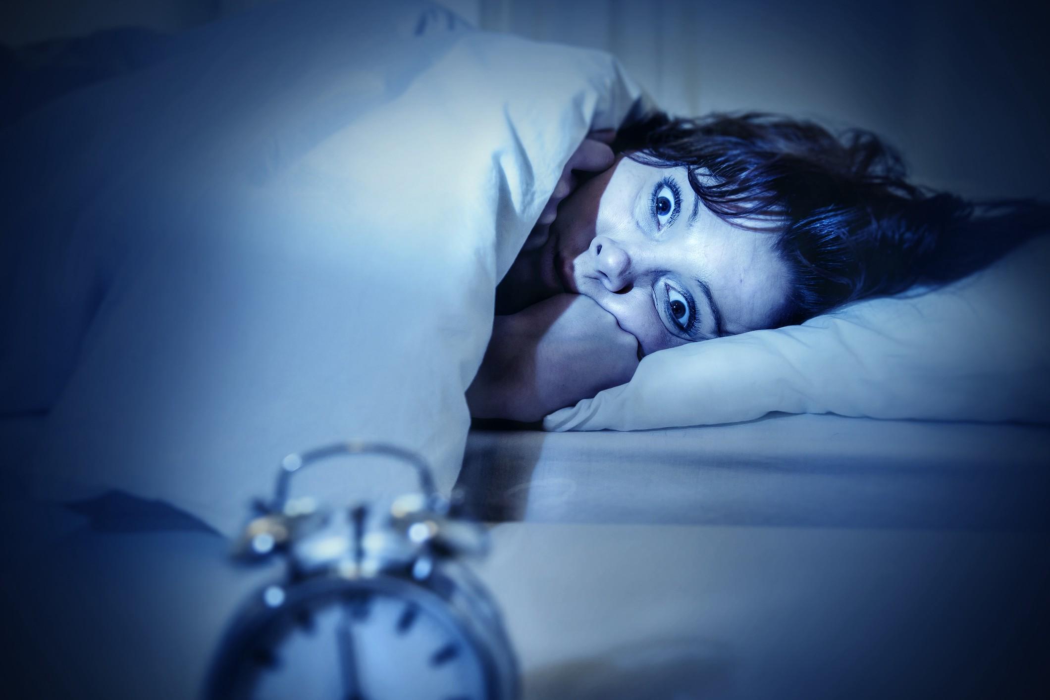 Hình ảnh khó ngủ mắt trợn trừng