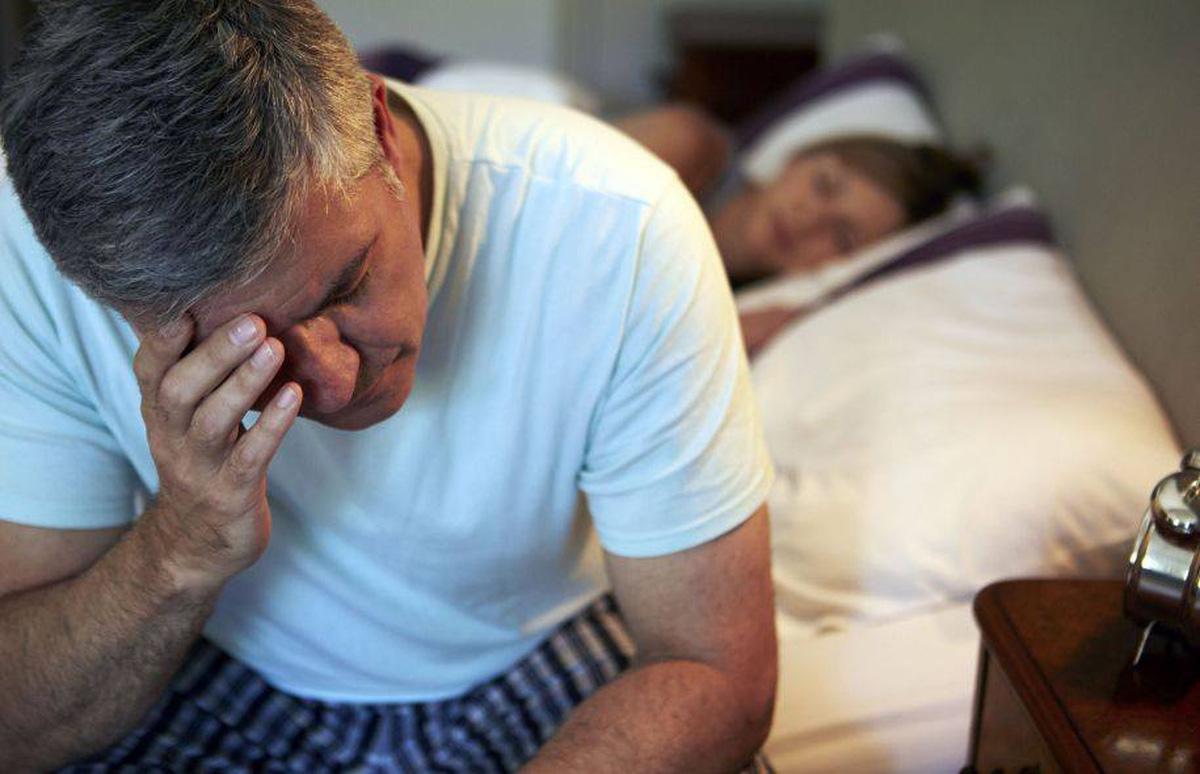 Hình ảnh người chồng mất ngủ